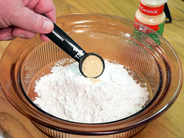 Add the garlic powder.