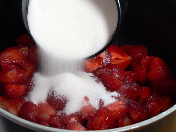 Mama Ruths Strawberry Cake Recipe Taste Of Southern