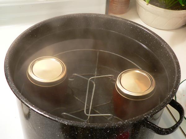 Strawberry Jam, submerge the jars.