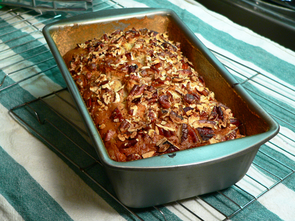Praline-Apple Bread, rest on a wire rack for 10 minutes.