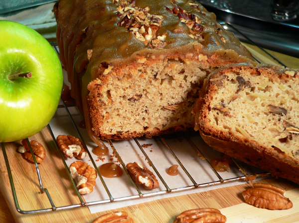 Praline-Apple Bread, Serve and Enjoy!