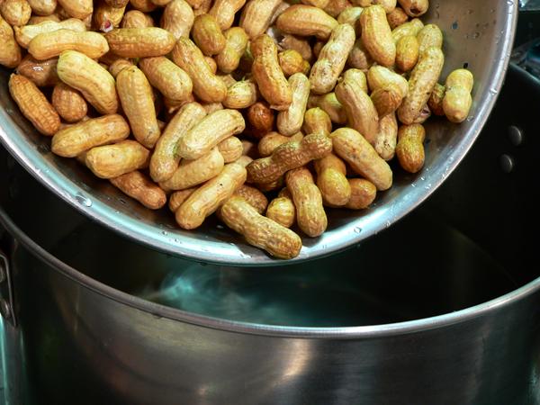 Boiled Peanuts, add the raw peanuts.
