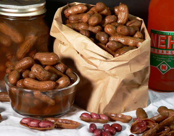 Boiled Peanuts, serve and enjoy.
