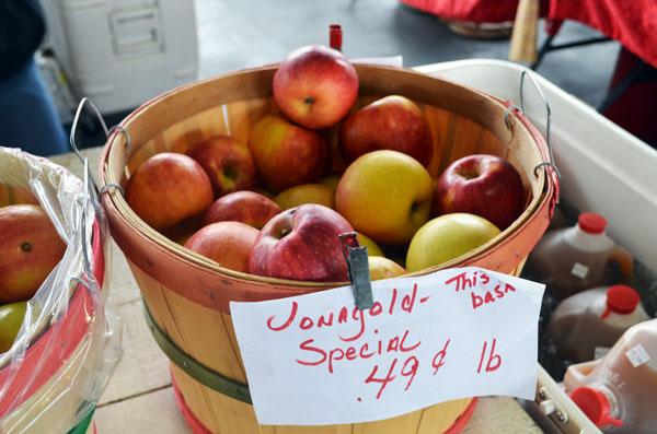 Apple Butter, apples
