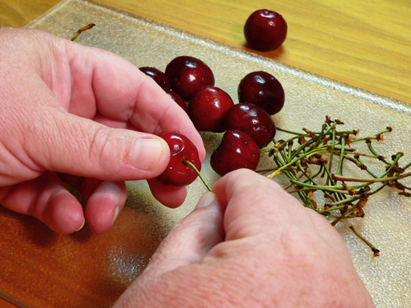Cheerwine Cobbler, remove the stems.
