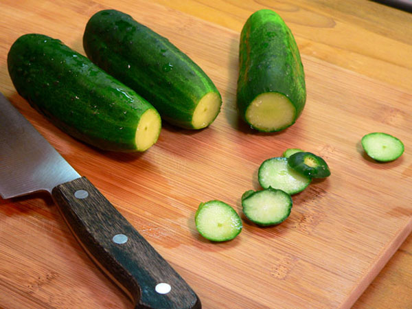 Bread-and-Butter-Pickles, slice off ends.