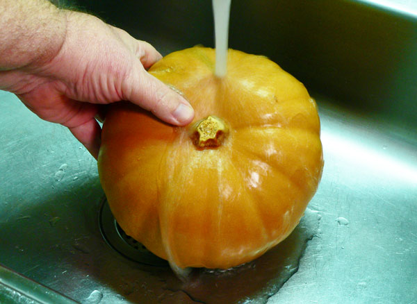 Pumpkin Pie, rinse the pumpkin.