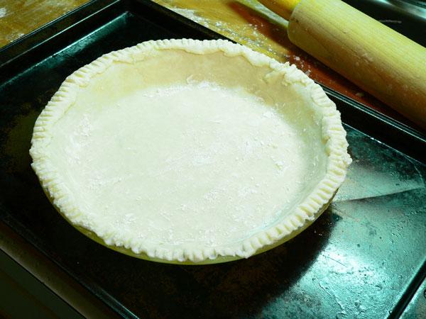Pumpkin Pie, prepare the crust.