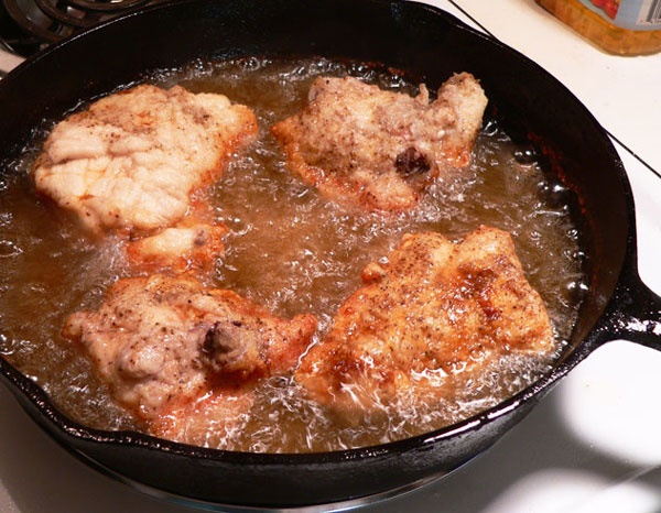 Fried Chicken with Gravy, repeat the process with the second batch.