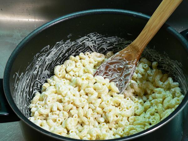 Seafood Mac and Cheese, stir it up well.