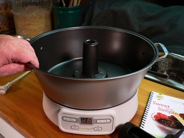 Ball FreshTECH Strawberry Jam, attach the pot.