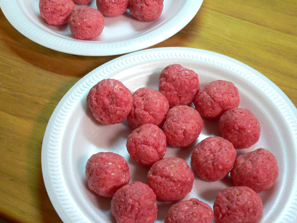 Georges-BBQ-Meatballs, ready to cook.