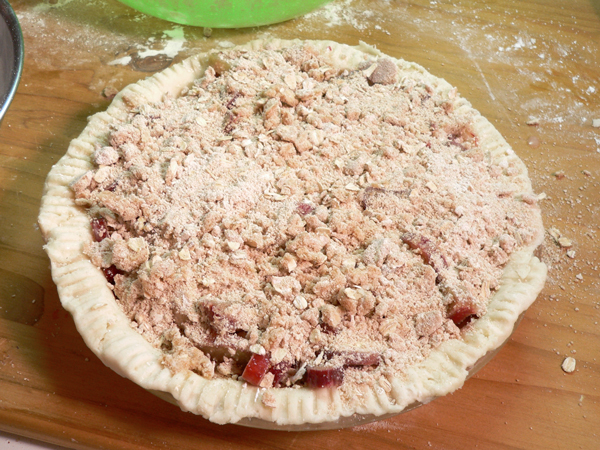 Rhubarb Pie, add crumb topping