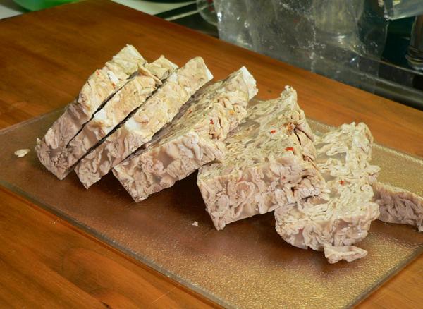 Chitlin Loaf, slice the loaf.