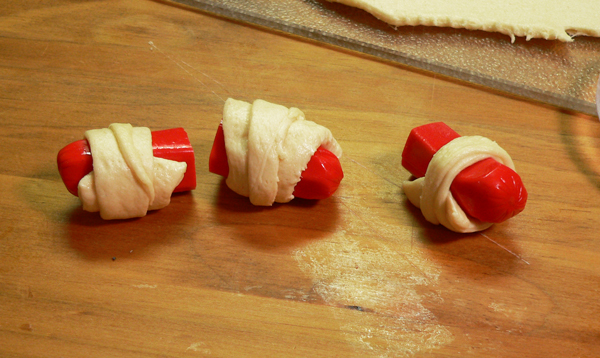 pigs-in-a-blanket, repeat until all are complete.