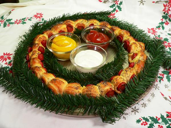 Pigs In a blanket wreath recipe, as seen on Taste of Southern.