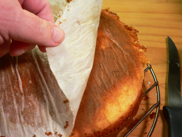 Pig Picking Cake, remove the parchment paper.