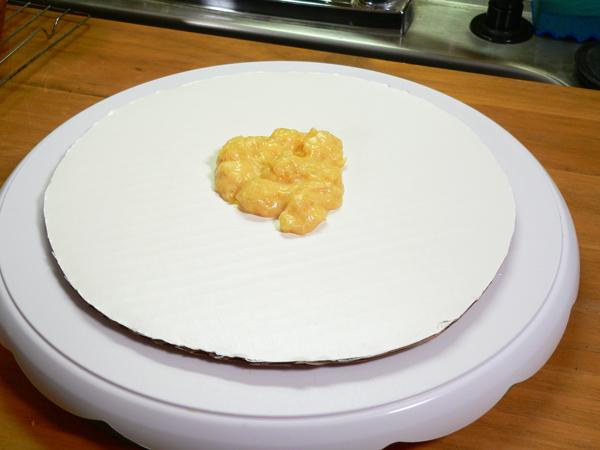 Pineapple Cake, assemble the cake.