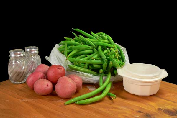Green Beans and Potatoes, you'll need these ingredients.