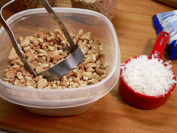Icebox Fruitcake, prepare the graham crackers.
