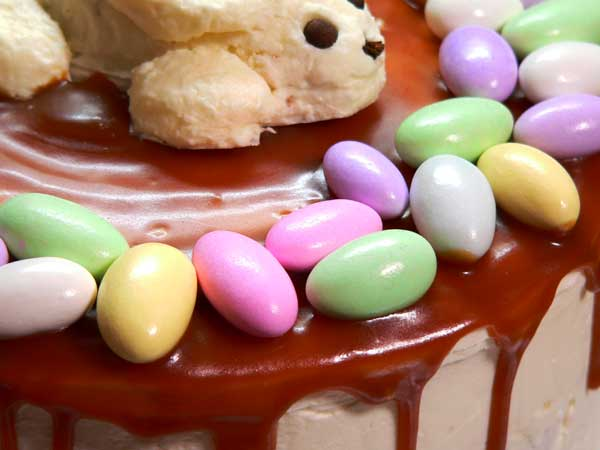 Easter Bunny & Eggs Cake, arrange the Jordan Almonds.