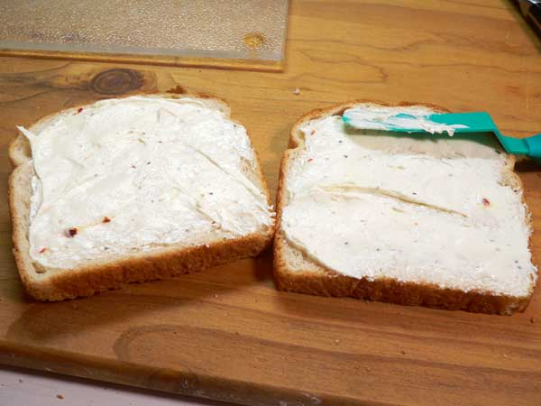 Cucumber Sandwiches, spread cream cheese.