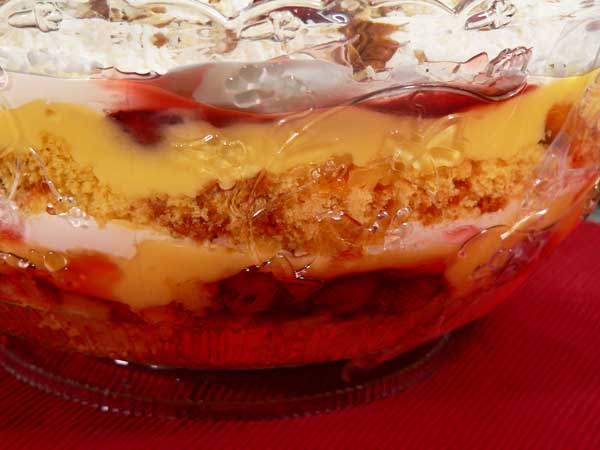 Punch Bowl Cake, closeup.