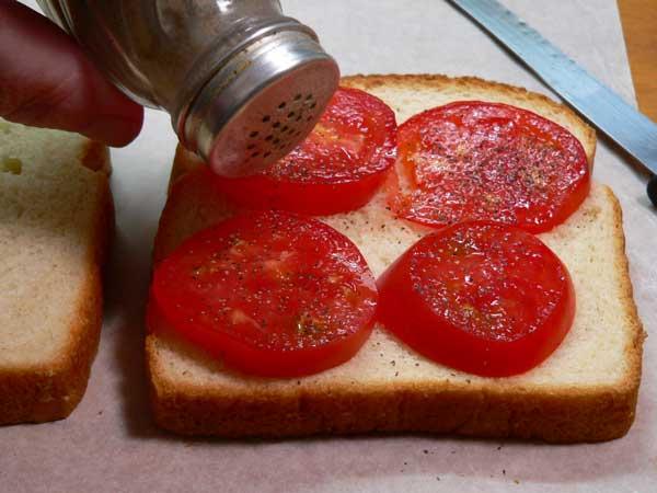 Tomato Sandwich, add some black pepper.