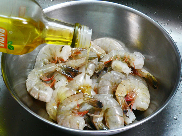 Skillet Shrimp, add olive oil.